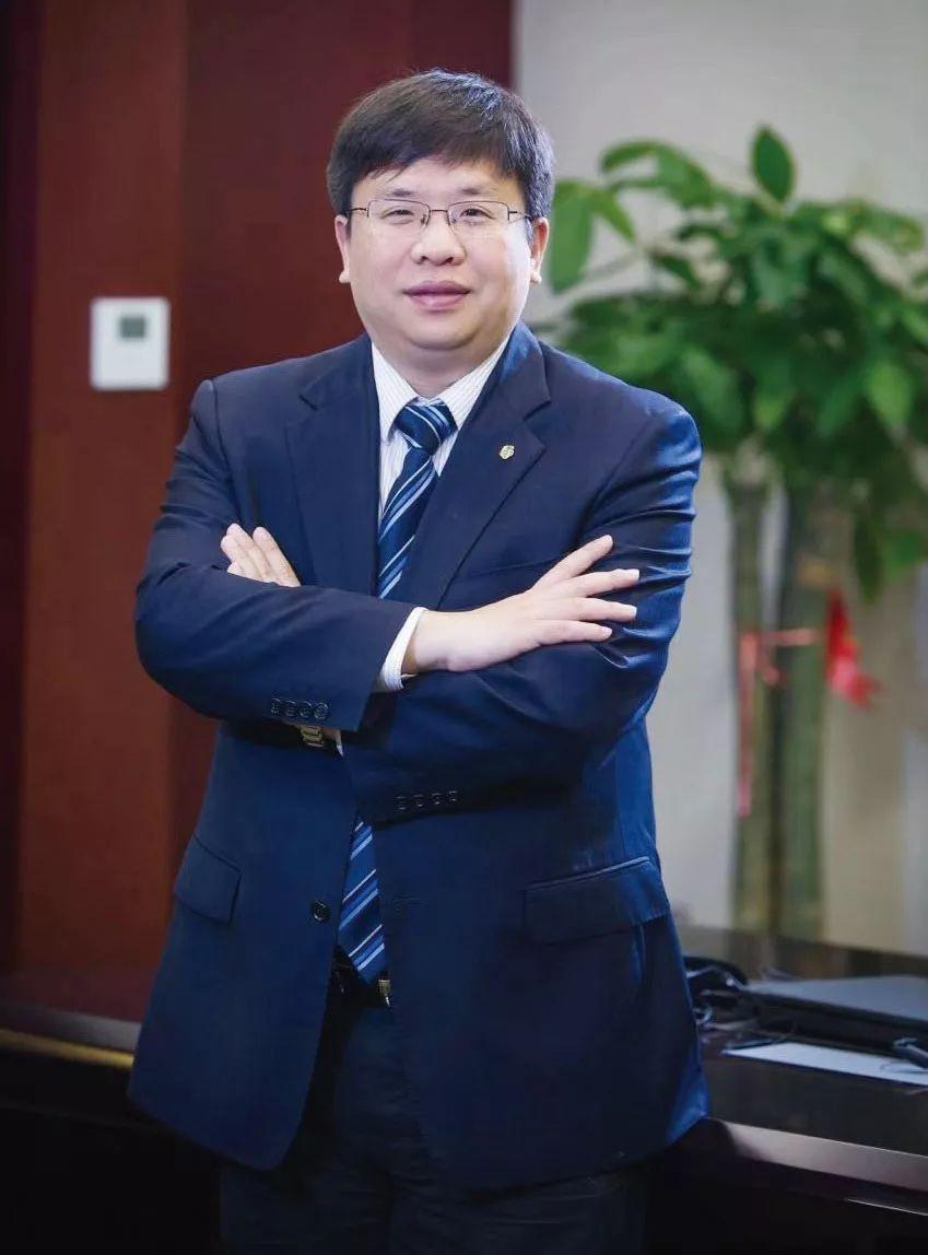 南京银行交易银行部总经理孙明哲:一半是海水 一半是火焰